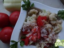 Sałatka ryżowa sezonowa