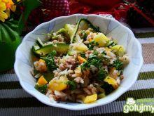 Sałatka ryżowa z cukinią i tuńczykiem