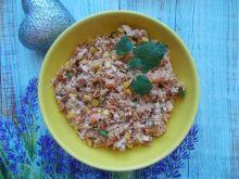 Sałatka ryżowa z gotowaną piersią kurczaka