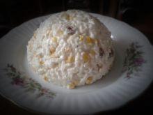 Sałatka ryżowa z piersią kurczaka