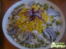 Sałatka ryżowa z podwędzaną kiełbaską