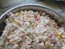Sałatka ryżowa z szynką drobiową