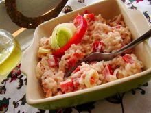 Sałatka ryżowa z tuńczykiem i papryką czerwoną