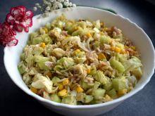Sałatka ryżowa z wędzonym leszczem i mozzarellą