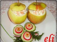 Sałatka śledziowa w jabłkach Eli
