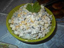 Sałatka śledziowa z selerem i pieczarkami