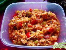 Sałatka śledziowo-pomidorowa  kanapkowa