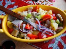 Sałatka śledziowo- warzywna