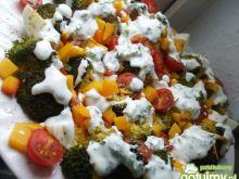 Sałatka śniadaniowa z brokułem i jajami