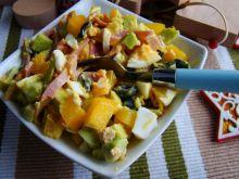 Sałatka szynkowa z awokado
