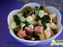Sałatka szynkowa z ogórkiem małosolnym