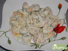 Sałatka tortellini w wiosennej odsłonie