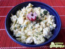 Sałatka twarogowa z cebulą