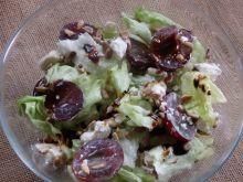 Sałatka w winogronem i fetą