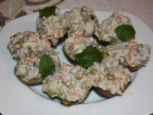 Sałatka w ziemniaczkach