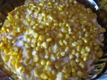 Sałatka warstwowa z kukurydzą