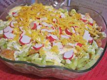 Sałatka warstwowa z kurczakiem i selerem