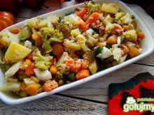 Sałatka warzywna z brokułem i tuńczykiem