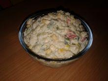 Sałatka warzywna z makaronem