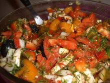Sałatka warzywna z mozzarellą
