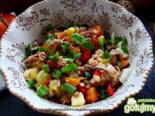 Sałatka warzywna  z tuńczykiem i pieczar