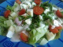 Sałatka wiosenna z mozzarellą