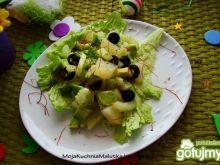 Sałatka z ananasa i awokado