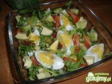 Sałatka z awokado i jajkiem