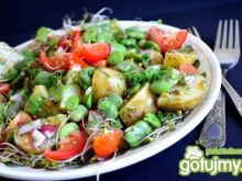 Sałatka z bobem i kiełkami brokuła