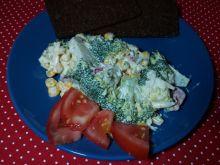 Sałatka z brokułami i rzodkiewką