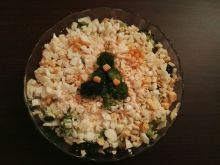 Sałatka z brokułami i wędzonym łososiem