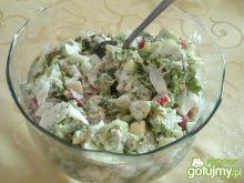 Sałatka z brokułem i sałatą