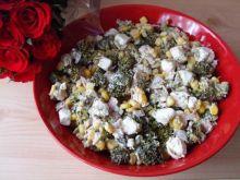 Salatka z brokulem i serem feta
