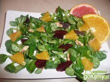 Sałatka z burakami i pomarańczą