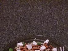 Sałatka z burakiem, salami i fetą
