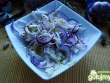 Sałatka z cebuli czerwonej i kapusty