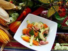 Sałatka z cukini ,marchewki i tuńczyka