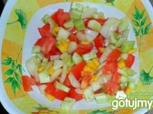 Sałatka z cukinią i pomidorem