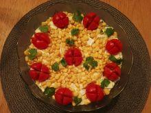 Sałatka z cukinią, papryką i serem camembert