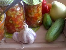 Sałatka z cukinii w przecierze pomidorowym
