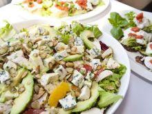 Sałatka z cytrusów, avocado i kurczaka