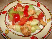 Sałatka z czerwoną papryką