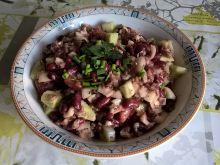 Sałatka z czerwonym ryżem i serami