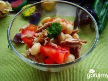 Sałatka z fasoli świeżej i pomidora