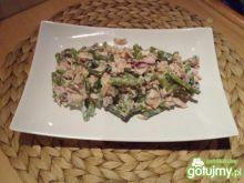 Sałatka z fasolką i tuńczykiem 2
