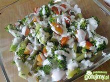 Sałatka z fasolką szparagową i brokułami