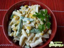 Sałatka z fasolki i kukurydzy