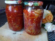 Sałatka z fasolki szparagowej i ogórków w słoiki