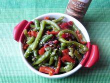 Sałatka z fasolki szparagowej i papryki