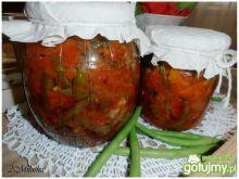Sałatka z fasolki szparagowej z cebulką